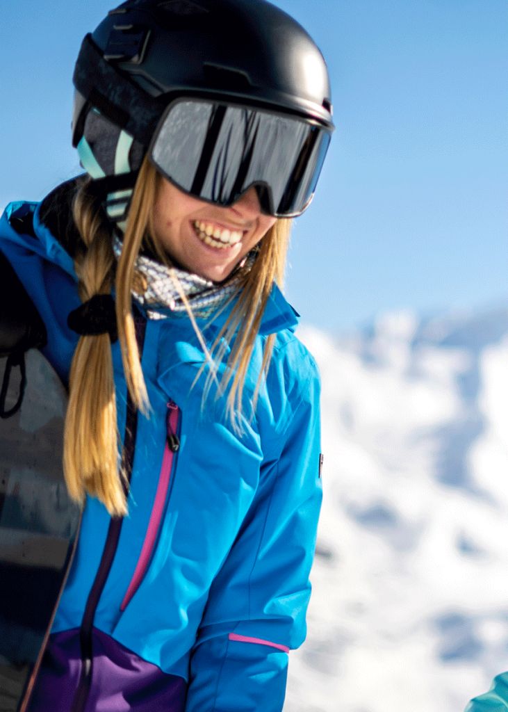 Skieuse qui rit
